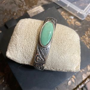 Vintage SS/green turquoise Native American cuff